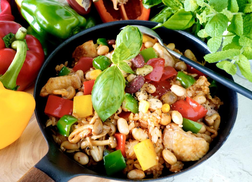 お豆たっぷり!ジャンバラヤ風鶏肉とお豆のチキンライス